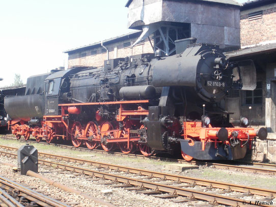 52 8149-8 steht am 20. August 2011 an der Besandungsanlage des SEM Chemnitz