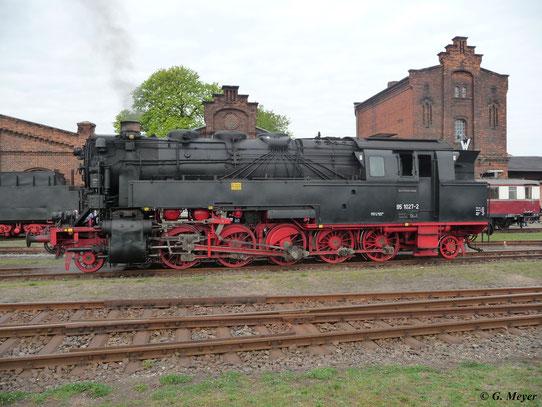 Hier ist 95 1027-2 im Bw Staßfurt zu sehen (16. April 2011)