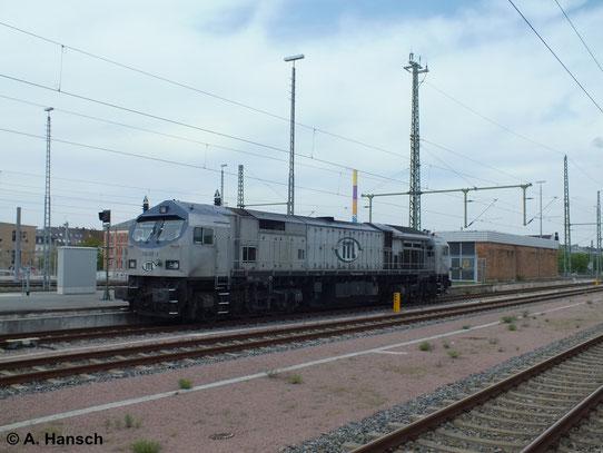 Nachdem 250 007-2 der ITL einen Kesselwagenzug nach Chemnitz Küchwald brachte, wartet sie im Chemnitzer Hbf. wieder auf Ausfahrt Richtung Dresden