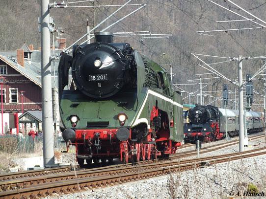 Am 1. April 2012 fuhr ein Sonderzug von Dresden nach Freiberg. Gezogen wurde der Zug bis Tharandt Bf. von 03 1010 und 18 201 als Vorspann. In Tharandt wurde der Zug geteilt und als Parallelfahrt weitergeführt