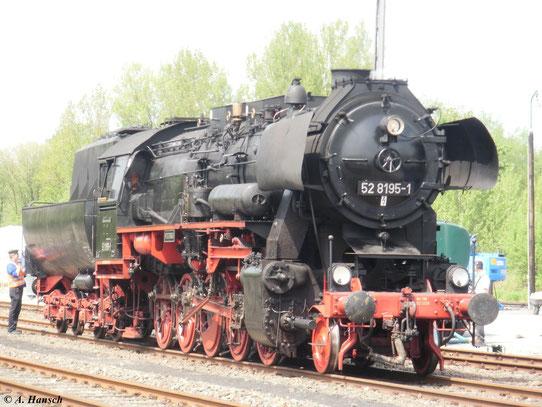 Am 22. Mai 2010 fanden in Neuenmarkt-Wirsberg die jährlichen Pfingstdampftage statt. Auch 52 8195-1 war mit von der Partie. Die Lok gehört heute der Fränkischen Museumseisenbahn