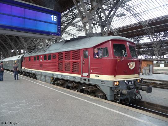 Am 1. September 2012 fuhr 232 204-0 (LEG 132 004-3) mit einem Sonderzug von Leipzig nach Meiningen. Hier kurz vor der Abfahrt in Leipzig Hbf.