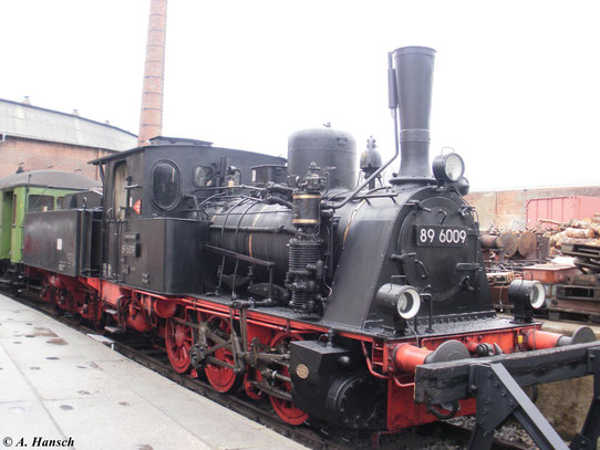 Im Eisenbahnmuseum Bw Dresden Altstadt ist 89 6009 stationiert, die hier am 27. März 2010 im Eingangsbereich zu sehen war
