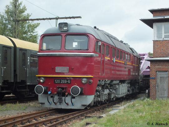 "Am 15. September 2012 steht 120 269-6 vorm Eisenbahnkran ""Leipzig"" im SEM Chemnitz"