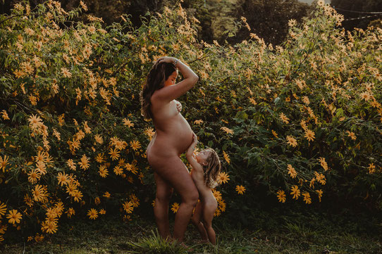 Caroline Descamps, Eugenia Corne, Jamaril, Jamaril school, rebozo, ceinture de lunes, doulas de France, formation massage femme enceinte,