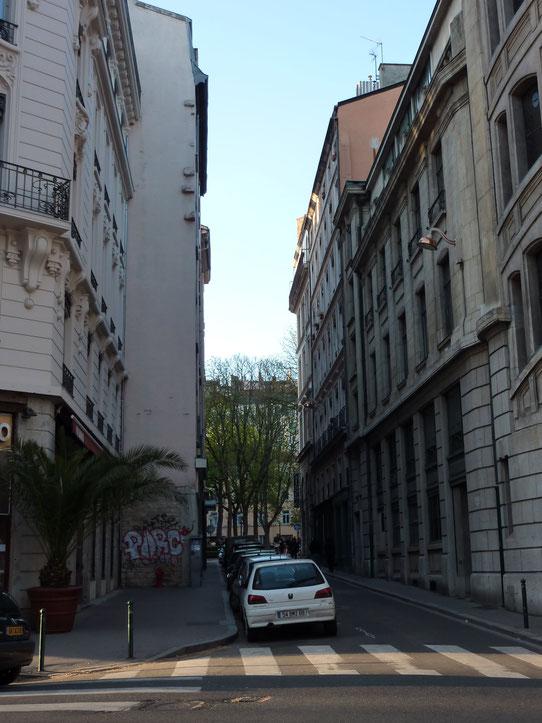 Rue Hippolyte-Frandrin. C'est dans ce secteur que se trouvait le théâtre de Jean Neyron. (photo : Denis Lang)