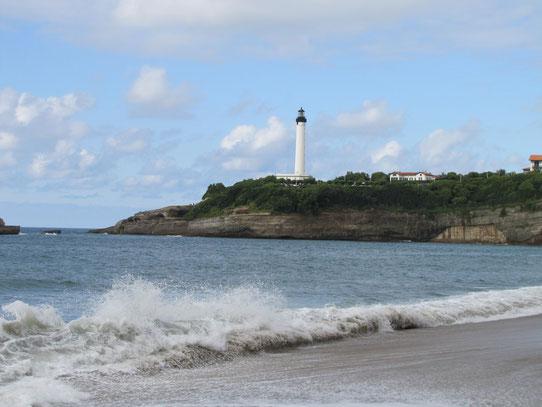De vuurtoren op het strand van Biarritz. Eén van de drie stranden van de stad met het beste surfwater van Europa. Het strand biedt een prachtig uitzicht.