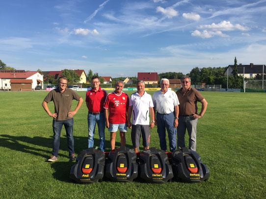v.l. Christoph Schmid, Andi Strauß, Hermann Seemann, Herbert Friedrich, Gerhard Zimmermann, Emil Schmid (Firmengründer www.der-maehroboter.de)
