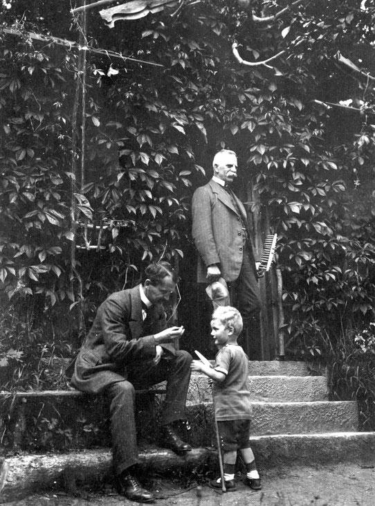 1917 Gärtnerhaus (Oskar, Werner, Opa Koye)