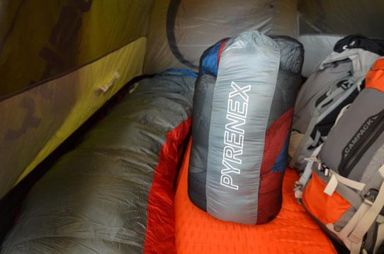 Sac de couchage Pyrenex + Matelas Autogonflant Camp + Tente Hysky