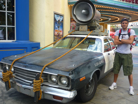 Photo avec la voiture des Blues Brothers !