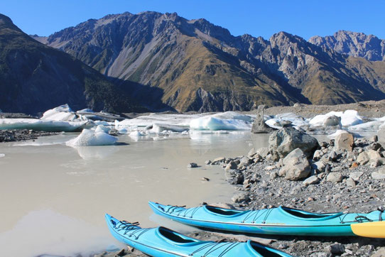 kayak sur Tasman glacier, Mount Cook, NZ
