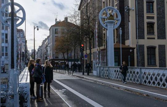 Wide-Trip - Visitez Paris avec des locaux !