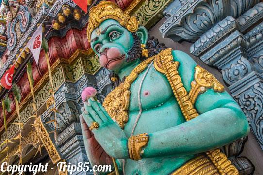 Devant les temples hindous de Little India !
