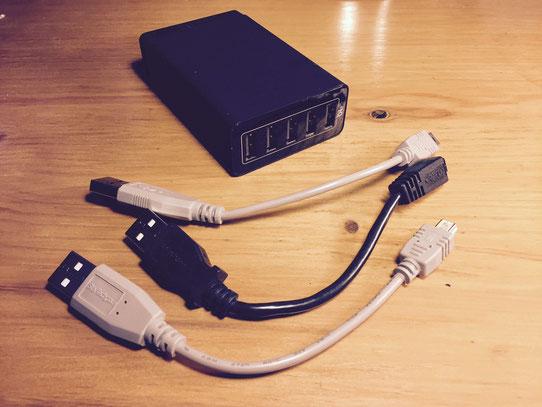 Mini cable USB avec à l'arrière le chargeur multiprise USB de chez Anker !