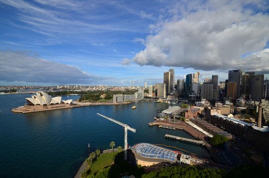 Vue sur la baie de Sydney depuis le Harbour Bridge - Copyright : Trip85.com