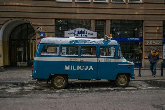 Visiter la ville de Varsovie à bord d'une vieille voiture !