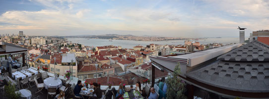 Vue sur le Bosphore depuis le restaurant le 5Kat à Istanbul