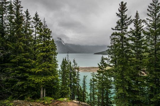 Lake Minnewanka - Canada