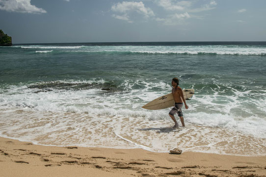 Surf à Bali, Indonésie