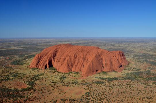 Survol d'Uluru en hélicoptère