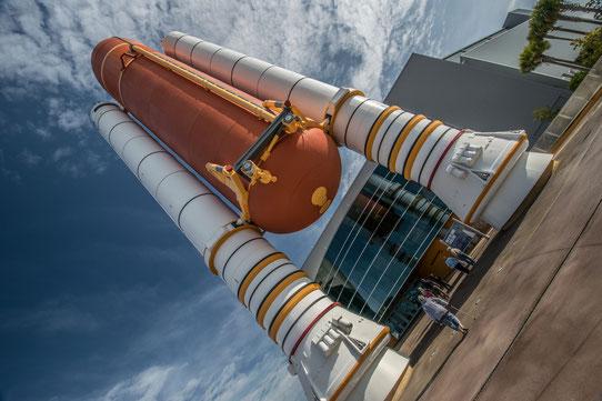 L'entrée du Space Launch Experience au Kennedy Space Center
