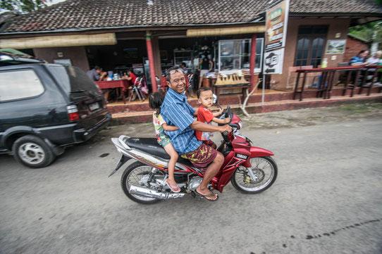 La circulation à Bali est à réserver à ceux qui ont l'ahbitude du deux roues !