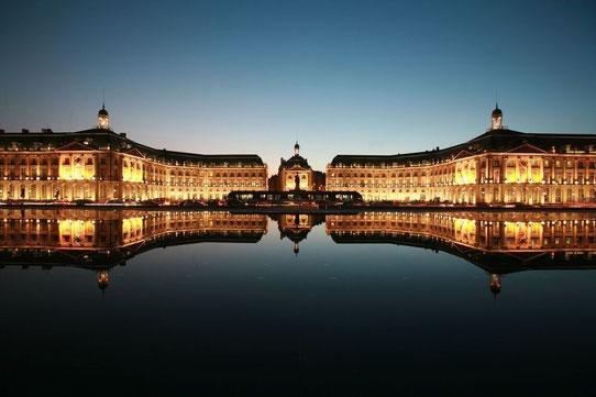 Place de la Bourse et miroir d'eau - Credit Thomas Sanson.JPG