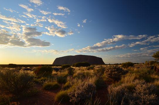Lever du soleil sur Uluru