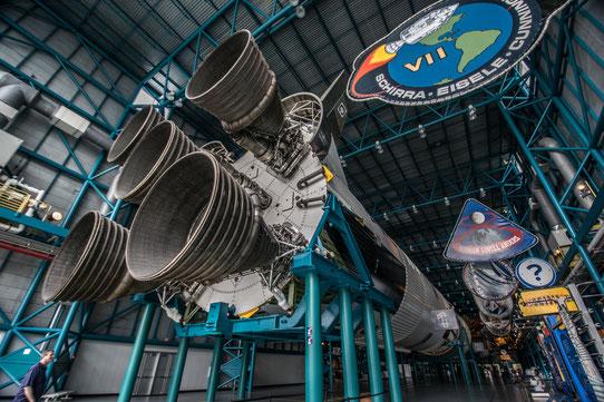 A l'intérieur du Hangar Apollo Saturn V Center