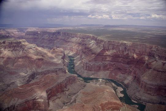 Vue d'Helicoptère sur le Grand Canyon