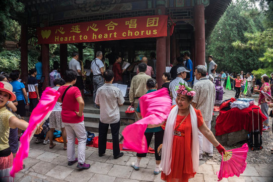 Les chinois sont fans de chants en chorale ! Ils animent les parcs !