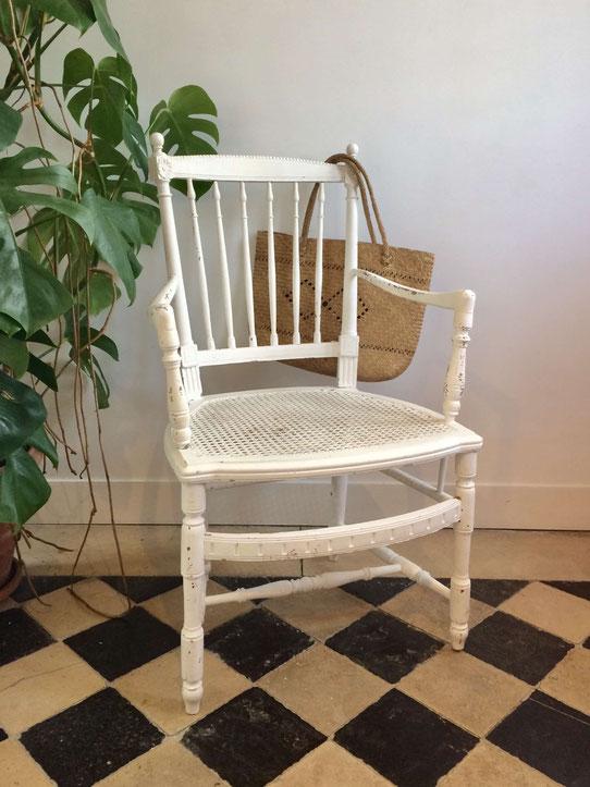 fauteuil vintage, fauteuil canné, fauteuil Louis XVI