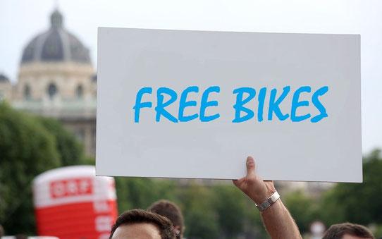 manifestation pour des vélos gratuits