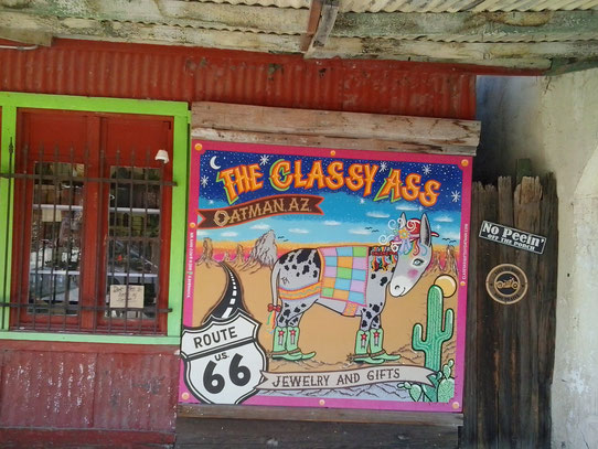Bild: Oatman, Arizona, HDW-USA, Roadtrip, Amerika, Mister T. und der Weiße Büffel, Route 66, The classy ass