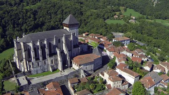 Cathédrale Sainte-Marie et cité médiévale de Saint-Bertrand-de-Comminges, grand site touristique de la Région Occitanie Pyrénées Méditerranée, département de la Haute-Garonne, inscrite au patrimoine mondial de l'Unesco pour les chemins de St-Jacques