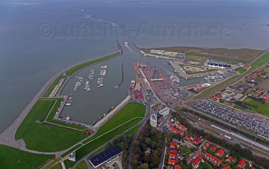 Flug nach Norden - Norddeich. Der Fähranleger Norderney / Juist