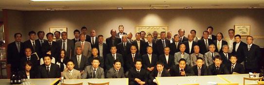 今年の総会も多くのみなさんが集いました。総勢58名。平成のOB・OGも13名が参加されました。