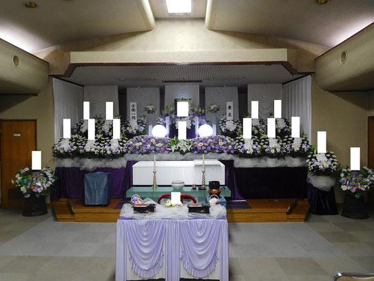 舟渡斎場の生花祭壇