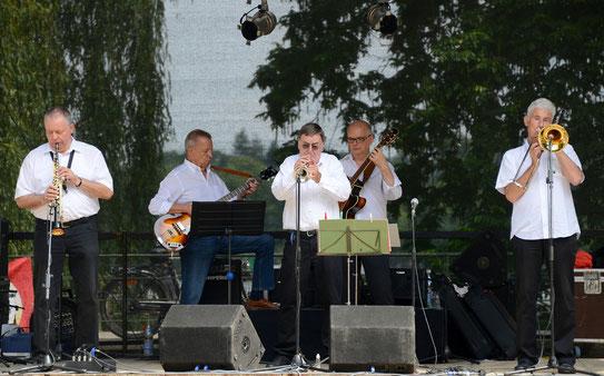 Jazz in der Maschseequelle: v.l.n.r. Uli Gehl, Mike Schultheiss, Rainer Topp, Thomas Schäffer, Uli Petersen