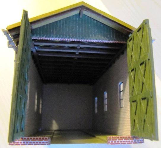 (c) W. Fehse - Cursdorf Teil 2 - Blick ins Innere der Wagenhalle