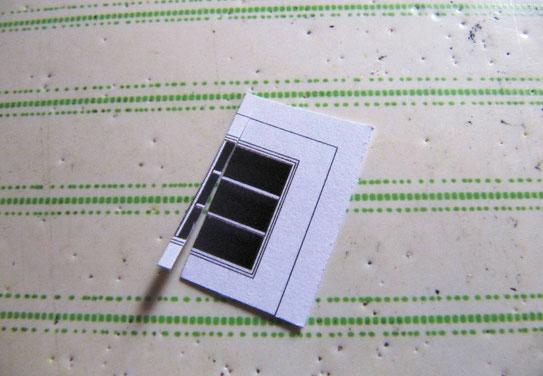 (c) W. Fehse - Waagerechte Sprossen aus der zweiten Fensterkopie ausschneiden, senkrechte aus der dritten Kopie