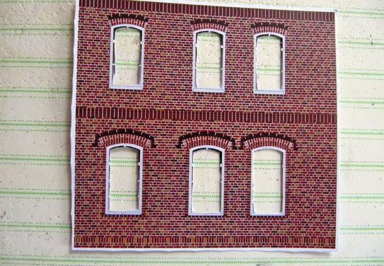(c) W. Fehse - Dann werden alle Fensterdurchbrüche grob ausgeschnitten.