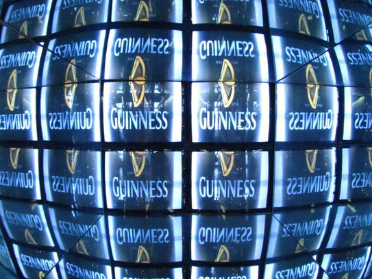 Het St. James's Gate, Guinness storehouse. Dublin's brewery van het huismerk 'Guiness'. Je krijgt er een goede indruk van het 'donkere' brouwproces.