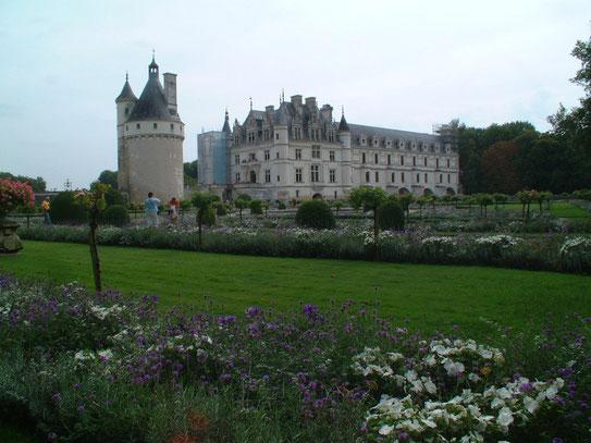 Aanzicht van het prachtige en sprookjesachtige Chateau de Chenonceau in de gelijknamige plaats in het Loire dal.