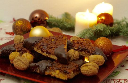 Weihnachtliche Nussecken
