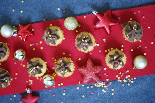 Orangen-Polenta-Cupcakes mit Schokotopping