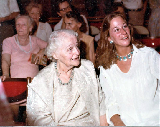 Wendy with Elizabeth Patterson, behind them Margaret Craske (L) & Ella Winterfeldt (R) at the Meher Center, SC.