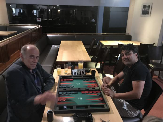 Turniersieger Peter Blachian (links) im Finale gegen Mehdi Mafi