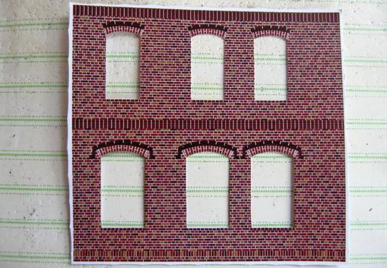(c) W. Fehse - Danach erfolgt der exakte Feinausschnitt der Fensterdurchbrüche.
